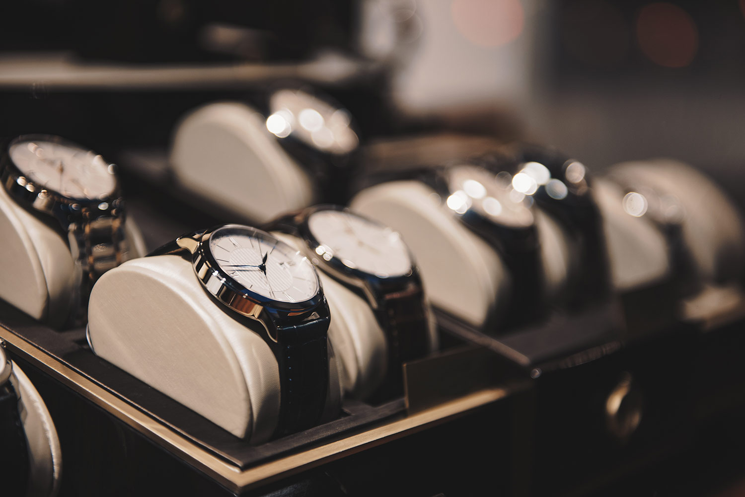 Buying-a-luxury-watch